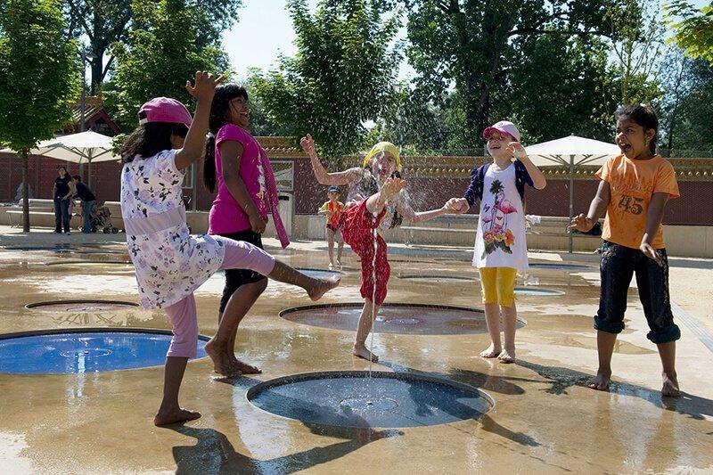 Trẻ em được vui chơi và tự do trải nghiệm