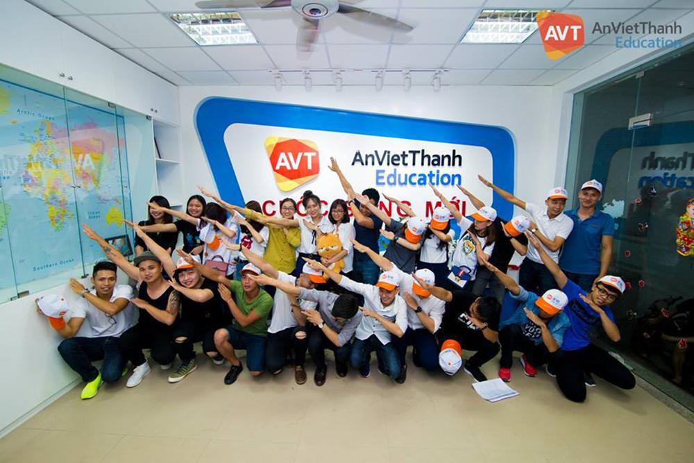 Đoàn học viên AVT