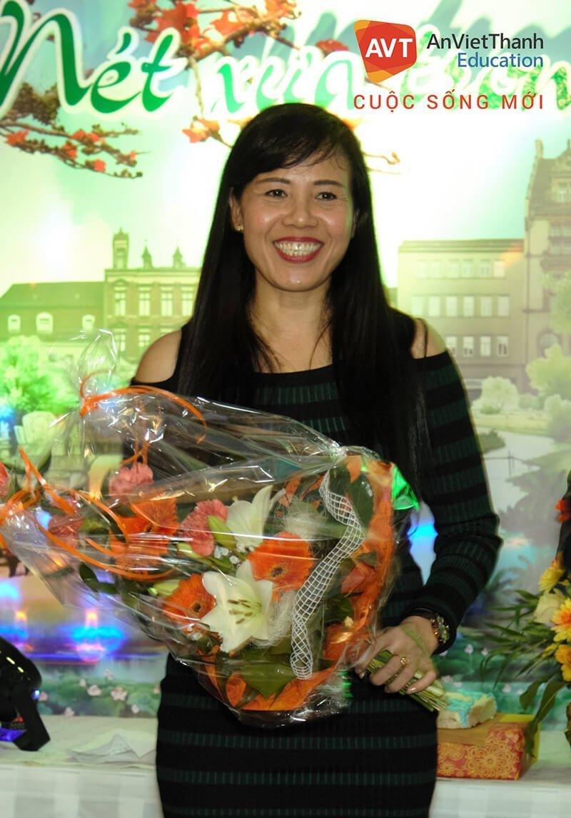 Cô Lê Thủy - đại diện công ty AVT tại Đức