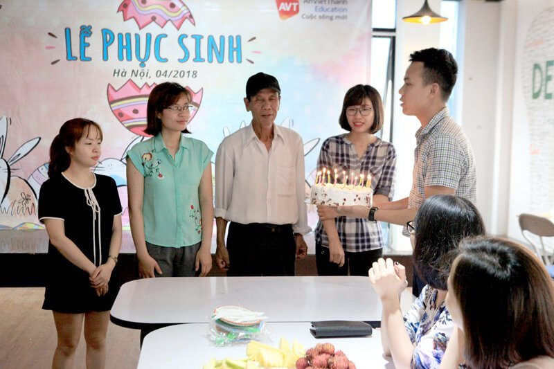sinh nhật nhân viên AVT Education Tháng 4/2018