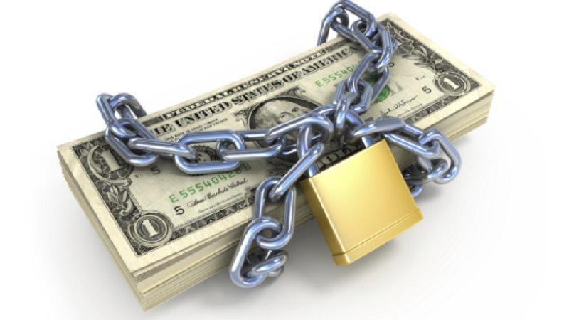 Mở một tài khoản phong tỏa và gửi tiền vào.