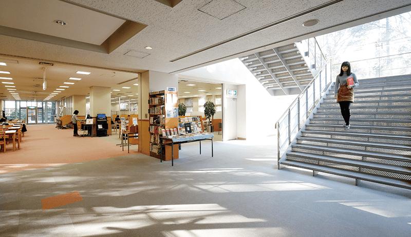 Trường đại học Aichi sở hữu thư viện với 1760000 đầu sách