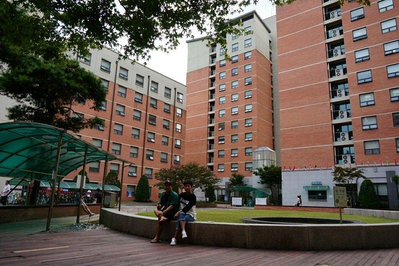 So với các trường khác, học phí trường Joongbu ở mức trung bình.