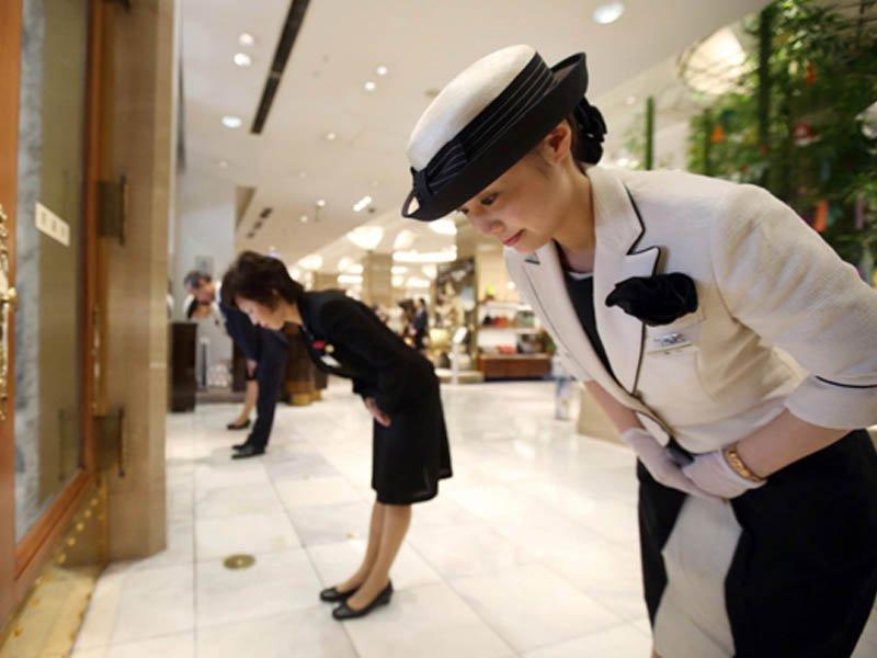 Nhật Bản nổi tiếng với văn hóa cúi chào
