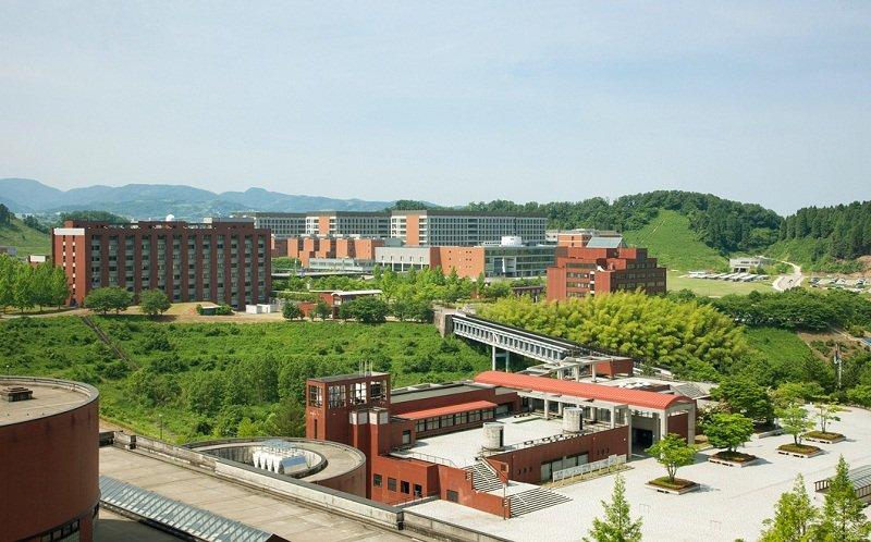 Kanazawa là ngôi trường có bề dày truyền thống lịch sử