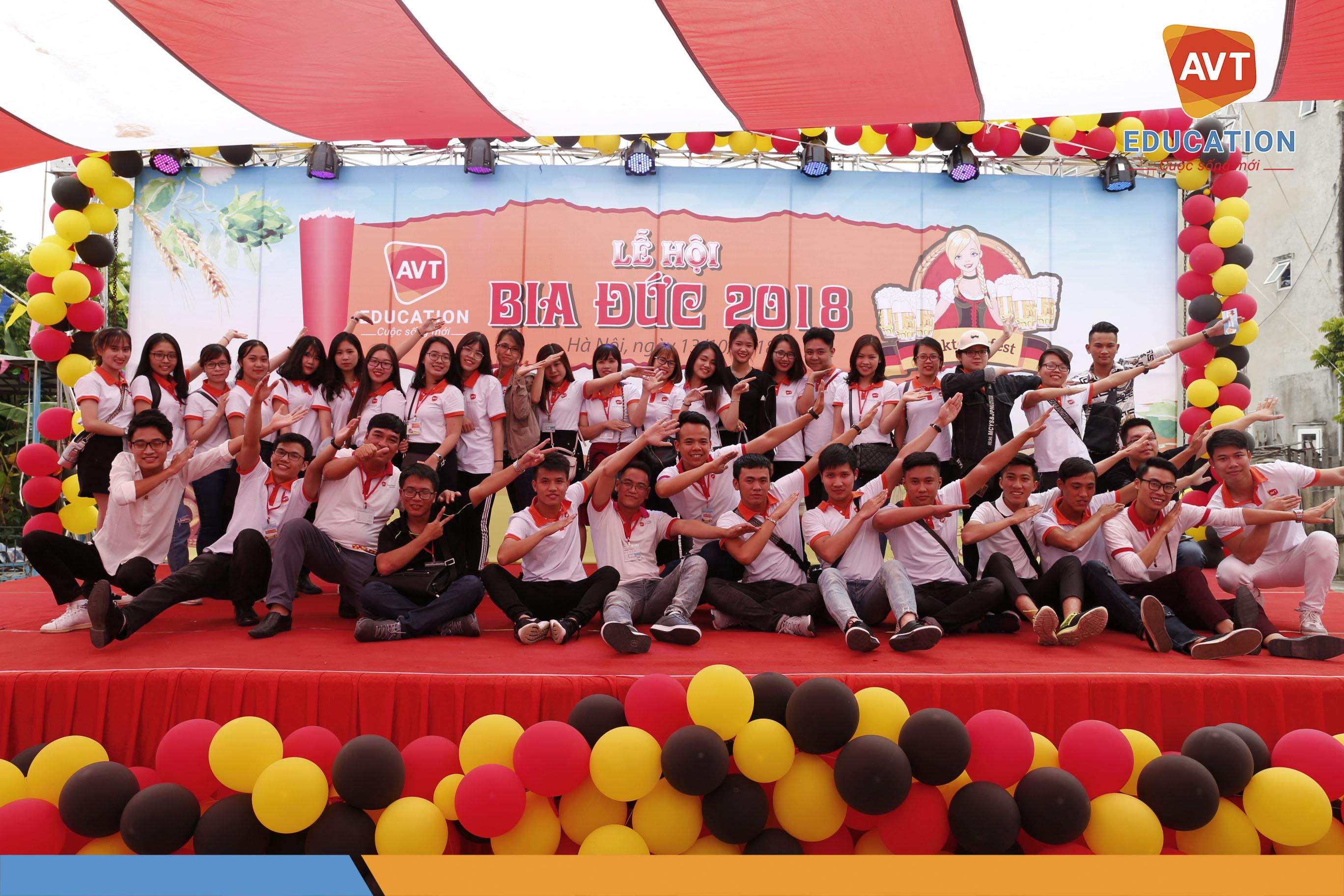 Tập thể học viên AVT Education
