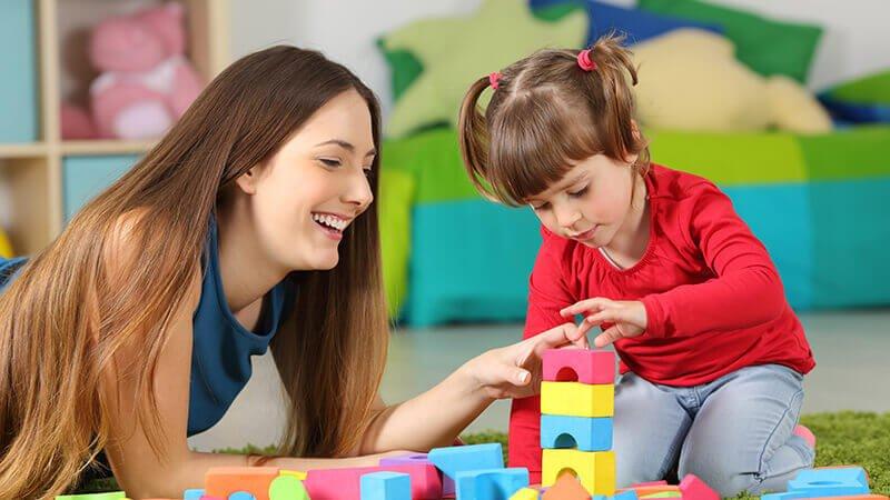 Biết chăm sóc trẻ em cũng là một việc bạn cần biết khi tham gia Au Pair
