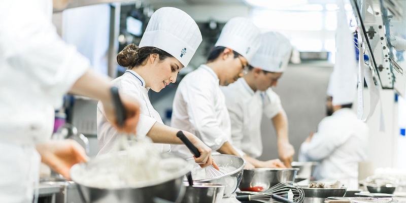 Chất lượng các trường dạy nghề ở Nhật khi du học nghề làm bánh tại Nhật Bản khá tốt