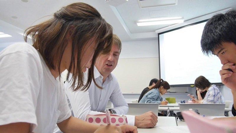 Sinh viên luôn được quan tâm giúp đỡ tại Đại học Reitaku