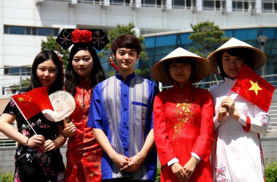 Sinh viên quốc tế tại Đại học quốc gia Incheon