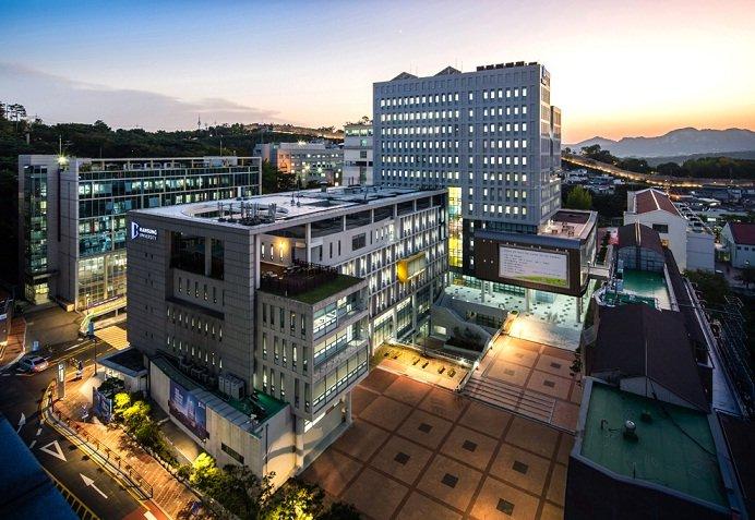 Đại học Hansung Hàn Quốc về đêm