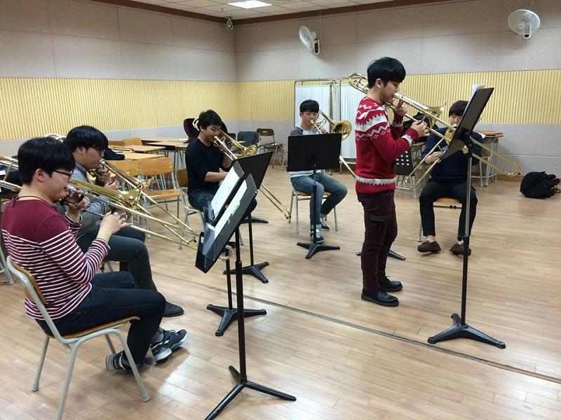 Nhiều nghệ sĩ nổi tiếng đã được đào tạo từ Đại học nghệ thuật Quốc gia Hàn Quốc