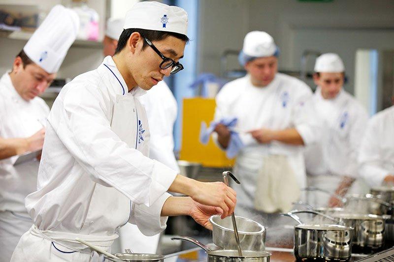 Du học nấu ăn Nhật Bản - 100% có việc làm và thu nhập cao