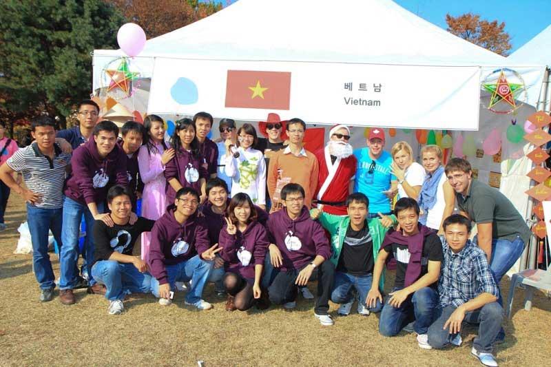 Du học ngành Hàn Quốc học bạn có cơ hội tìm hiểu văn hóa, con người Hàn Quốc