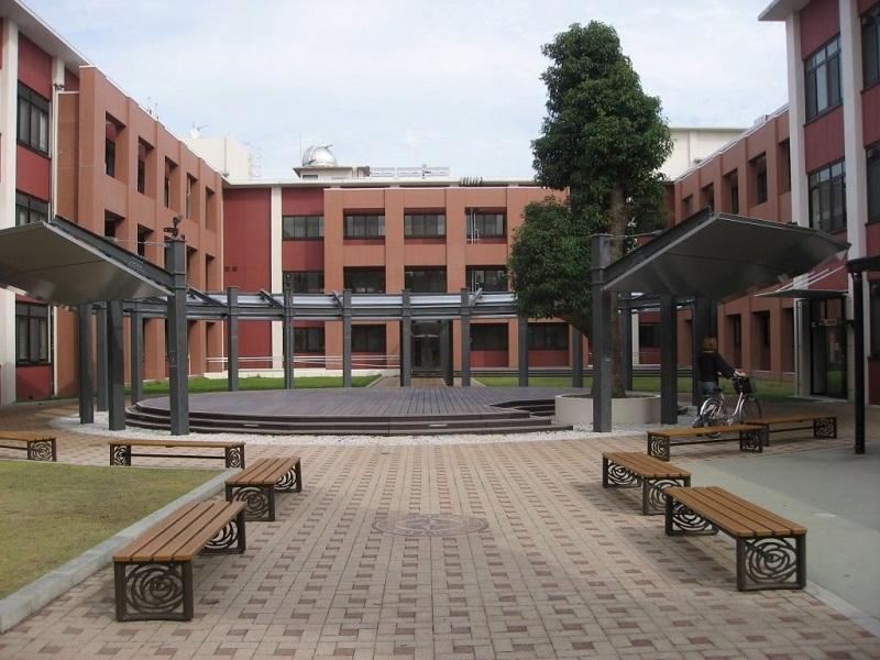 Khuôn viên học tập mọi chỗ cho sinh viên