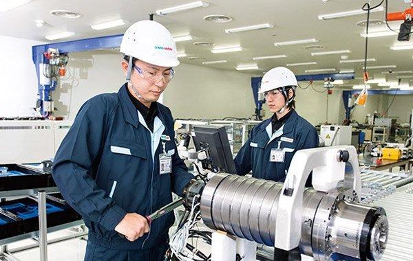 Du học Nhật Bản ngành cơ khí lương cao