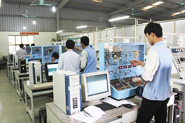 Du học Nhật Bản ngành điện tử chất lượng đào tạo hàng đầu thế giới