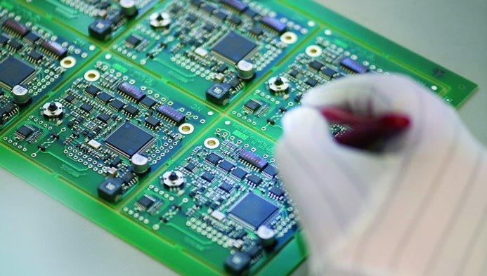 Du học Nhật Bản ngành điện là lựa chọn của nhiều du học sinh