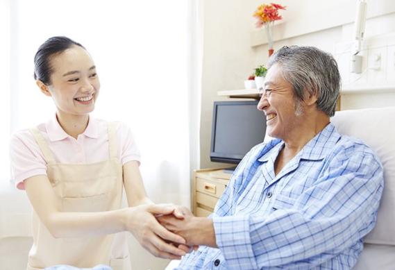 Du học điều dưỡng Nhật Bản cần sự khéo léo