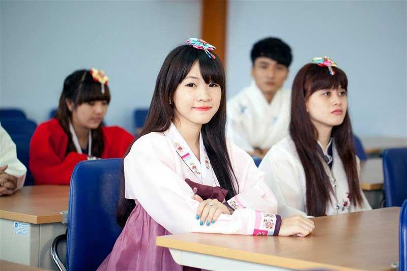 Những thông tin cần biết khi du học ngành Hàn Quốc học