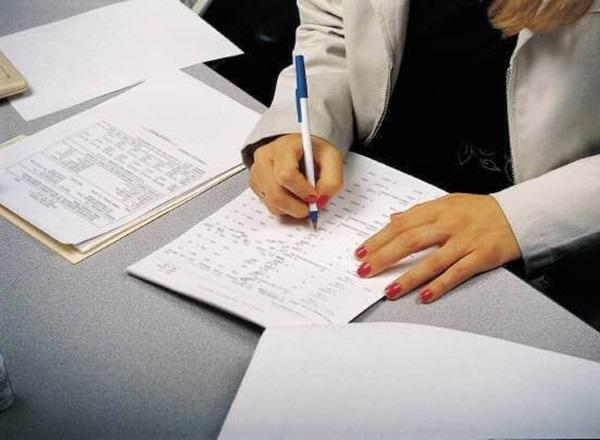 Hoàn thiện hồ sơ là bước quan trọng nhất khi làm thủ tục xin visa du học Hàn Quốc.