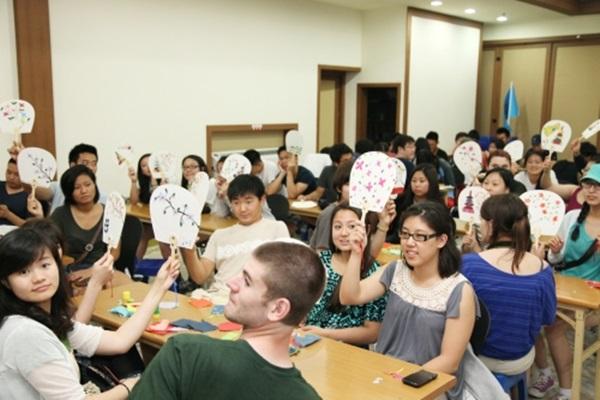 Để xin visa du học Hàn Quốc, bạn cần phải thỏa mãn một số điều kiện.