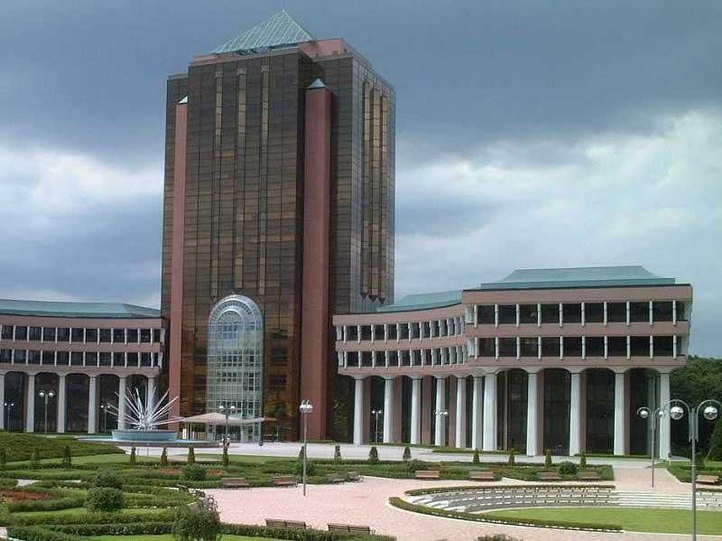 """Đại học Tohoku là ngôi trường có """"tuổi đời"""" vô cùng đáng nể"""