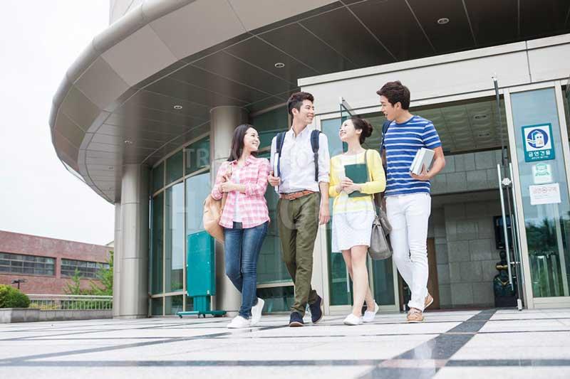 Du học Hàn Quốc sinh viên được miễn giảm học phí