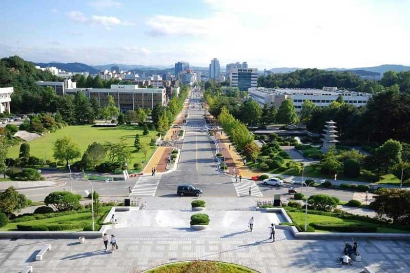 Đại học Chungnam luôn có những học bổng để hỗ trợ cho sinh viên quốc tế
