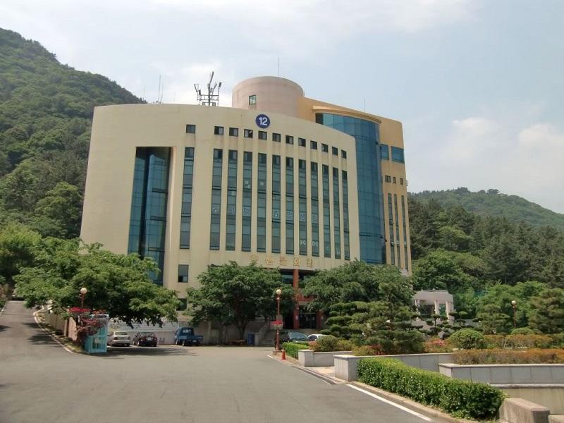 Đại học quốc gia Pusan cũng là một trong những Trường Đại học công lập ở Hàn Quốc nổi danh