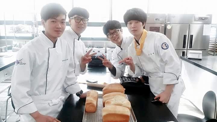Để có nhiều cơ hội việc làm tại Hàn Quốc, du học sinh cần trau dồi thêm kiến thức cũng như kỹ năng