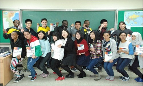 Học bổng du học Hàn Quốc bằng tiếng Anh là cứu cánh cho du học sinh quốc tế không giỏi tiếng Hàn
