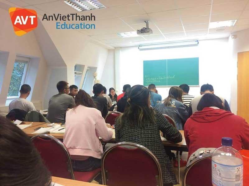 Không khí học tập nghiêm túc tại AVT Education
