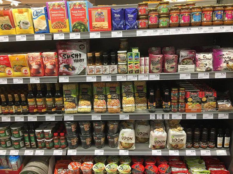 Gia vị châu Á được bày bán ở các siêu thị Đức