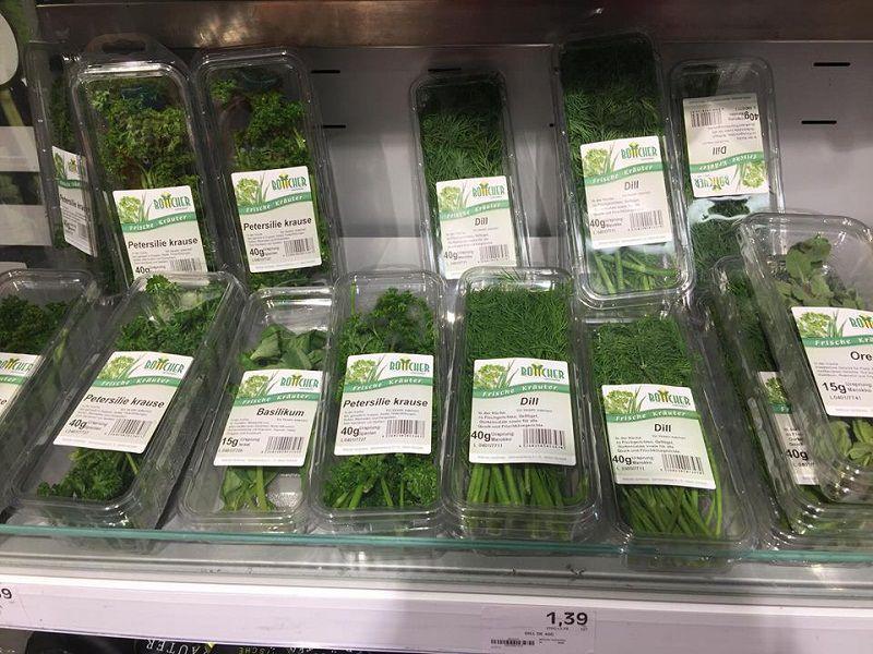Các loại rau mùi trong siêu thị Đức