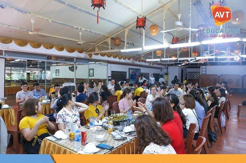 Bữa tiệc có sự tham gia của đông đảo cán bộ nhân viên AVT.