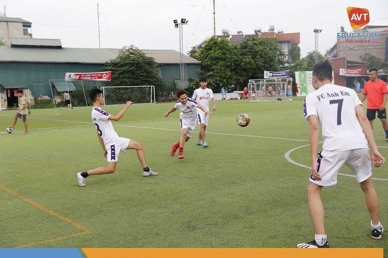 Tại AVT ngoài những giờ học trên lớp học viên còn tham gia những CLB thể thao.
