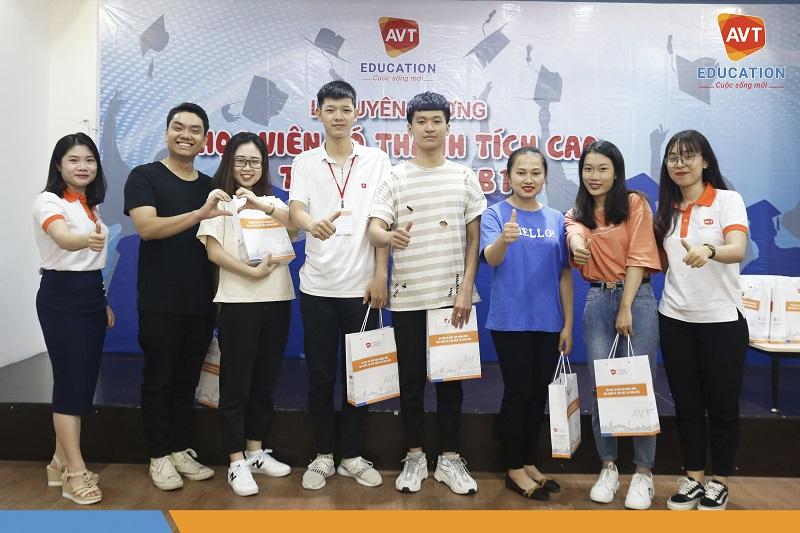 Lễ tuyên dương các học viên AVT đạt thành tích cao trong kỳ thi B1