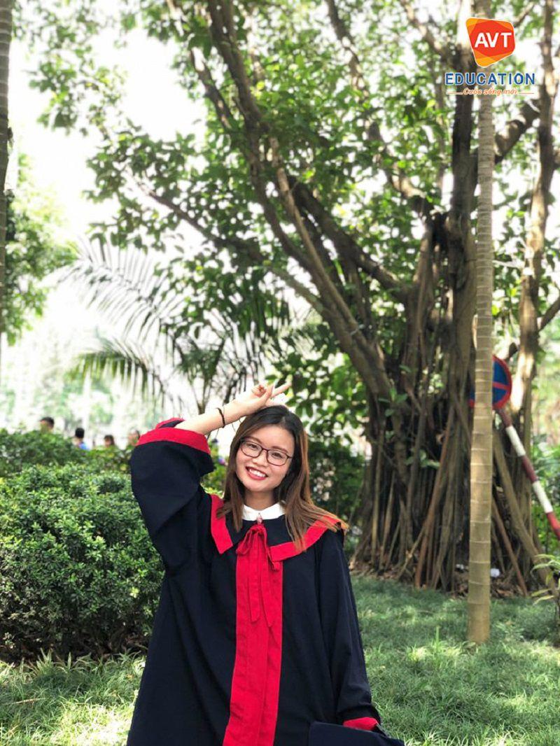 Cô Trang AVT Education