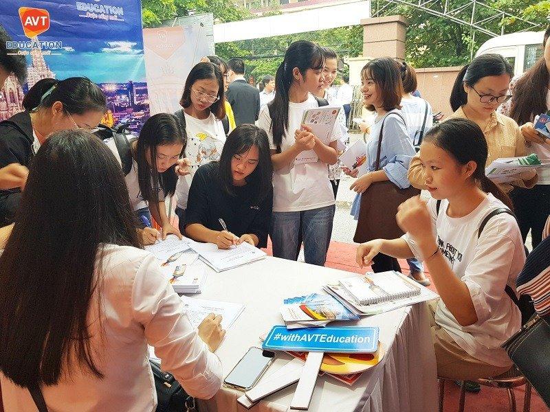 AVT đồng hành cùng các bạn trẻ tại Ngày hội tư vấn việc làm 2019