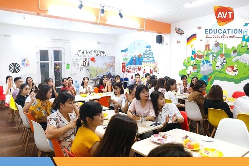 Hàng tháng AVT đều tổ chức sinh nhật cho các thành viên