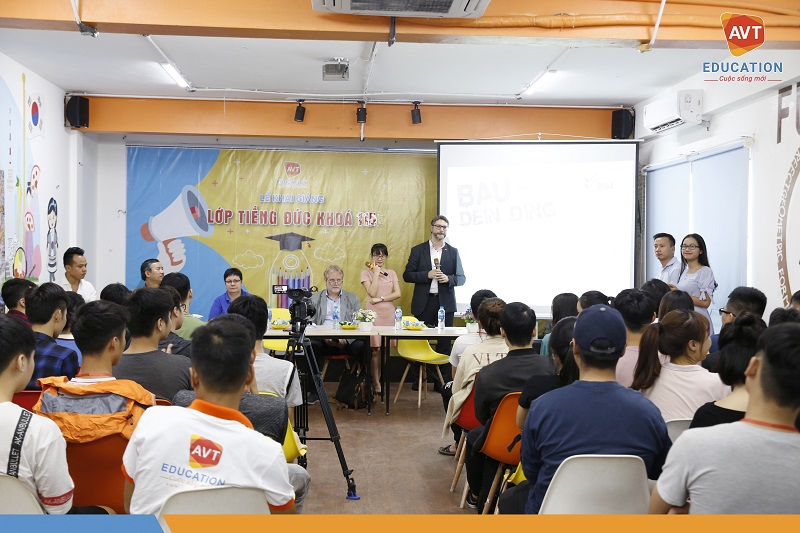 Buổi gặp gỡ thu hút rất đông các học viên AVT