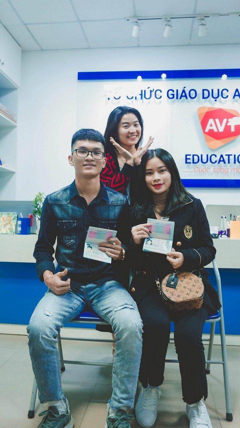 2 gương mặt mới xác lập kỷ lục đỗ visa chỉ sau 5 ngày