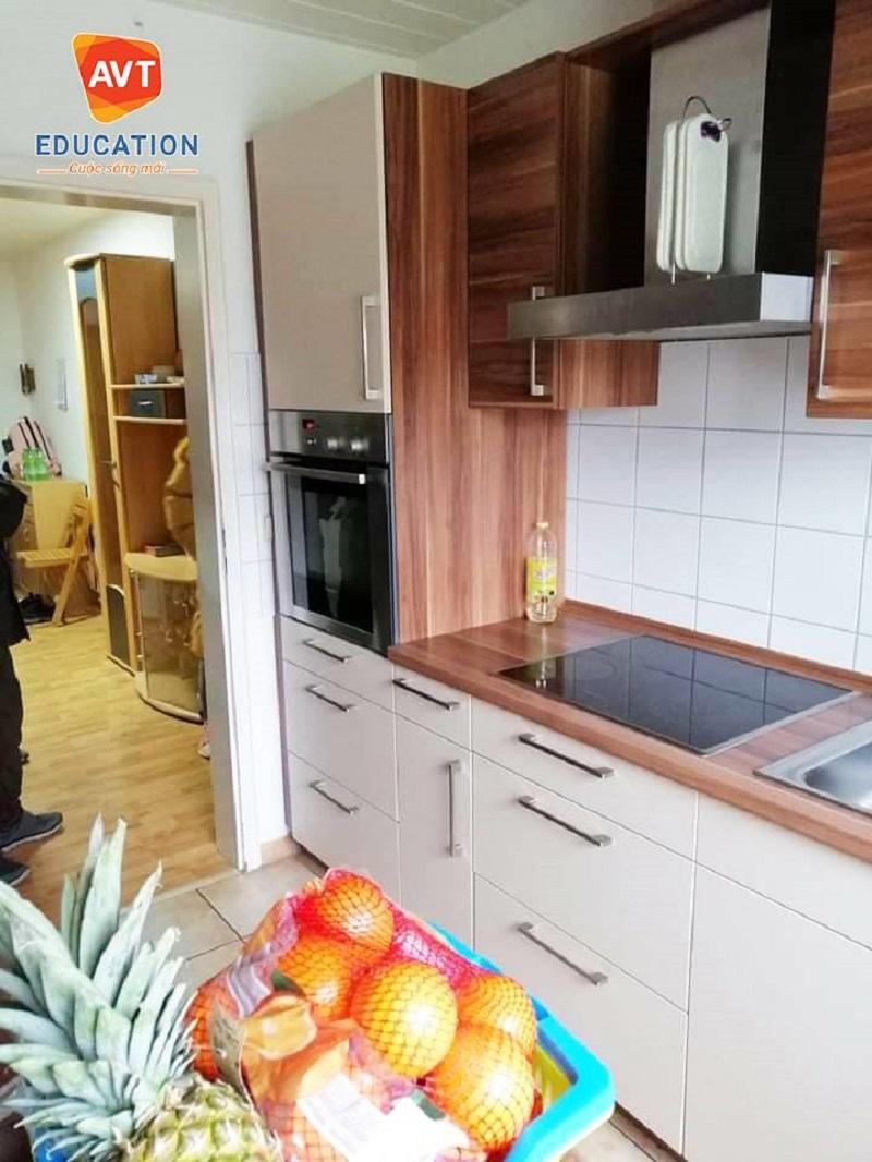 Phòng bếp hiện đại và tiện nghi