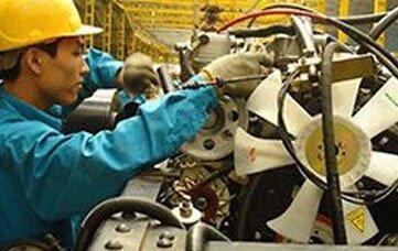 Bauen Sie komplexe Systeme mit elektrischen und mechanischen Komponenten zusammen. Zum Beispiel die Montage von Robotern für die Industrie.